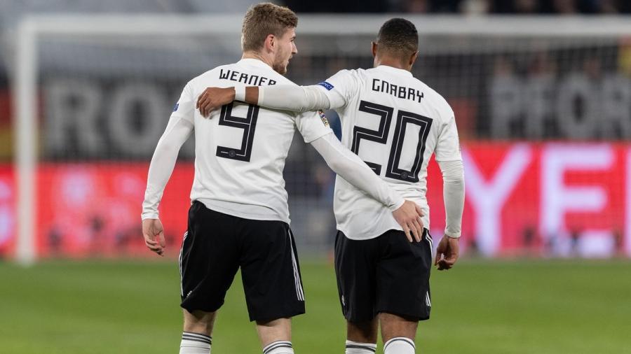 Ο Γκνάμπρι έφτασε τα 20 γκολ με την Εθνική Γερμανίας γρηγορότερα από τον Βέρνερ, και ο… Αρσέν Βενγκέρ δικαιώθηκε!