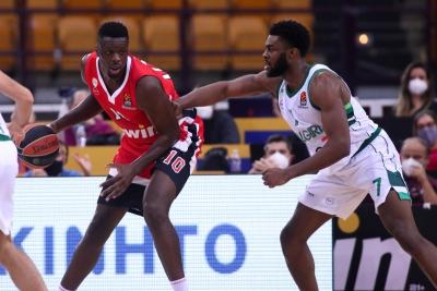 Ο Ολυμπιακός ξόρκισε το κακό, επέστρεψε από το -14 και κέρδισε τη Ζαλγκίρις με 83-68