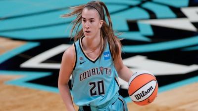 Sabrina Ionescu: Μία… δευτεροετής κατέχει τη δημοφιλέστερη φανέλα του WNBA και «ηγήθηκε» των πωλήσεων του 2021!